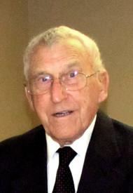 Stuart Malcolm McKinnon  November 30 1921  May 4 2019 (age 97) avis de deces  NecroCanada
