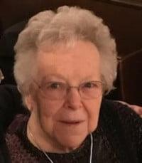Lorraine Muriel Young Castle  Friday July 16th 2021 avis de deces  NecroCanada