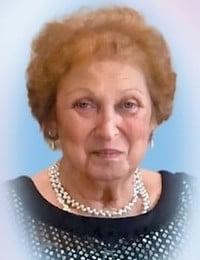 Mme Adelina Marsillo