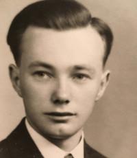 Ira Owen Syvret  16 avril 1926 – 17 décembre 2018