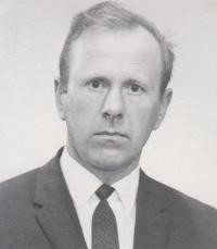 Vladislav Lipuschek  of Edmonton