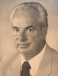 Arnold McCully