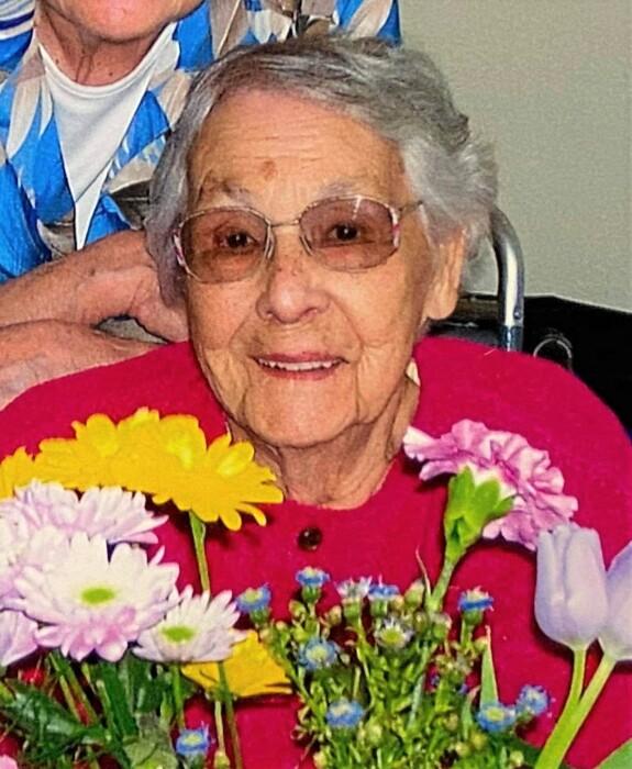 Helen Maude Outhwaite  July 4 1922  April 6 2021 (age 98) avis de deces  NecroCanada